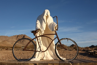 rusted-bicycle-ghost-statue-goldwell-museum-rhyolite-0090